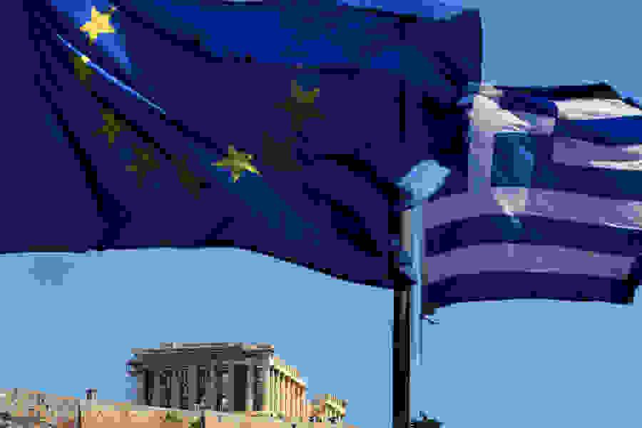 «Βουλιάζει» η ελληνική οικονομία