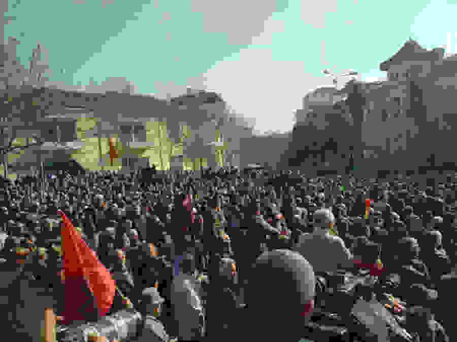 Τα Τίρανα συγκλονίζονται  «Ράμα φύγε, Ράμα ψόφα»