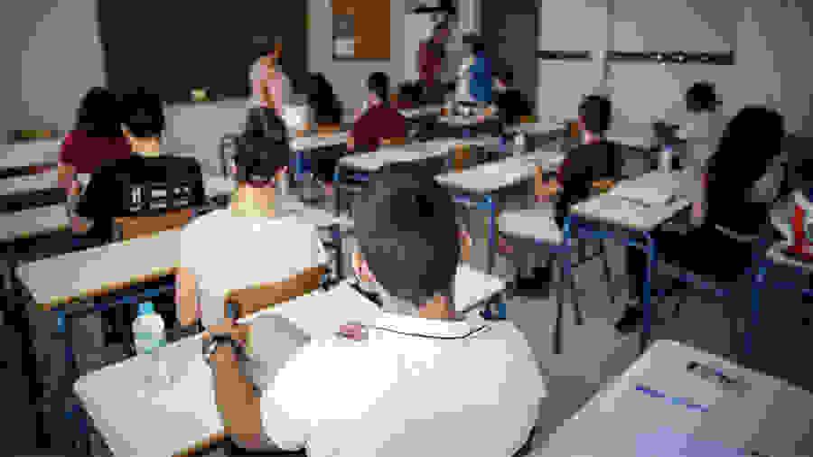 Προεκλογικό «δωράκι» Γαβρόγλου – Αυτός είναι ο αριθμός των εισακτέων σε Σχολές και Τμήματα – Δείτε αναλυτικά τους πίνακες ανά σχολή