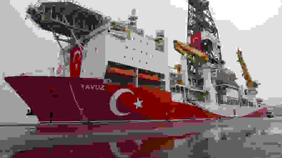 To «Γιαβούζ» κατέβασε τρυπάνι στα νερά της Κύπρου