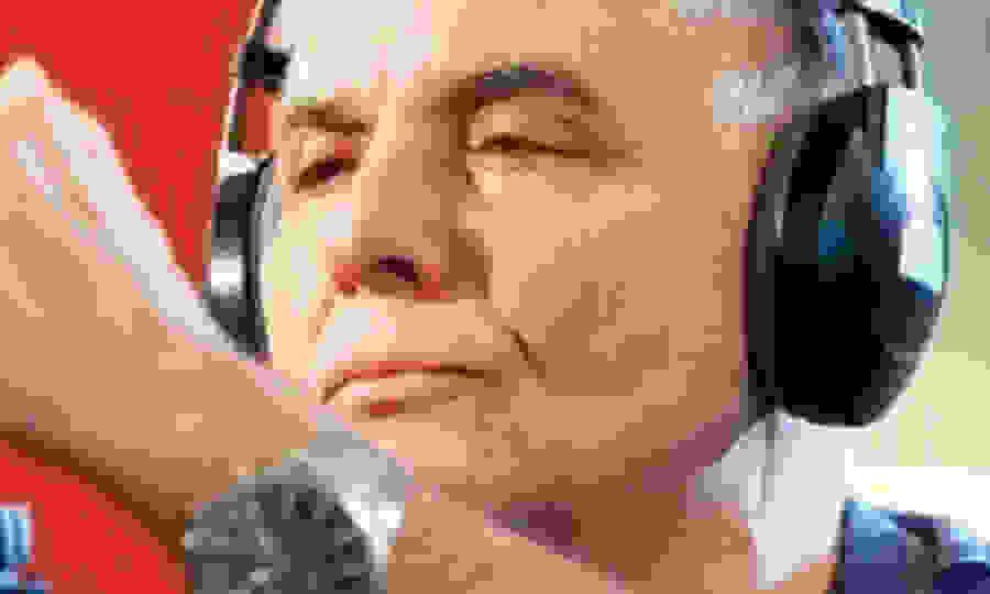 Γ. Τράγκας: Ο νοσηρός φοβάται ποτάμια αγανακτισμένων και σπεύδει να εντοιχίσει αναμνηστική πινακίδα για τα θύματα της Marfin Ο Μητσοτάκης φέρνει φτώχεια, πείνα, ανεργία και 5ο μνημόνιο και τρέμει τις μαζικές διαδηλώσεις