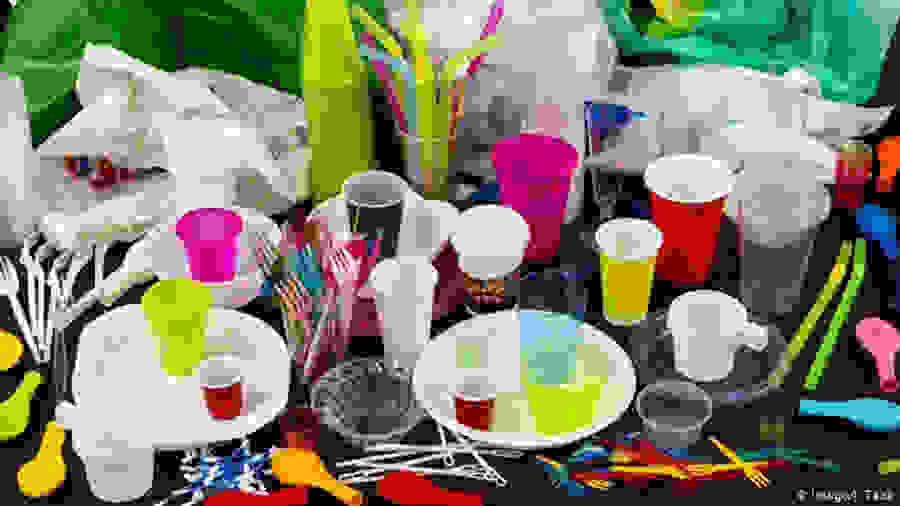 Τέλος τα πλαστικά μιας χρήσης από τον Ιούλιο του 2021