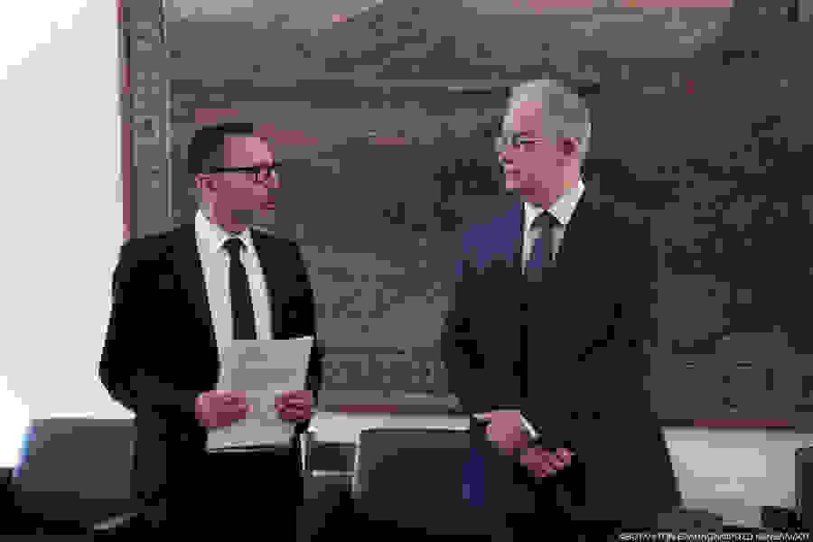 Την Έκθεση για τη Νομισματική Πολιτική 2019-2020 παρέδωσε  στον Πρόεδρο της Βουλής ο Διοικητής της Τραπέζης της Ελλάδος