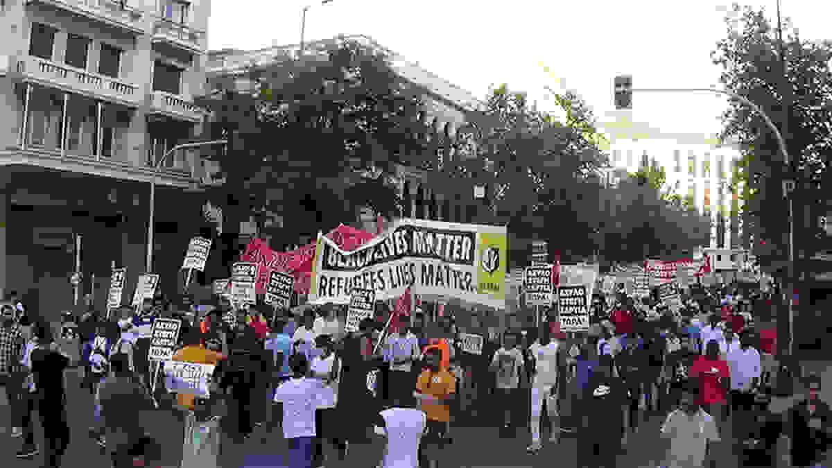 «Θα απελάσουμε τον Μητσοτάκη»! Συλλαλητήριο μεταναστών με τη στήριξη ΣΥΡΙΖΑ