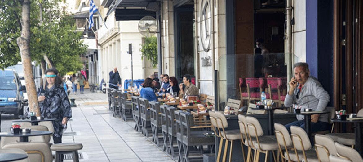 Εξετάζονται αυστηροί περιορισμοί σε μπαρ, εστιατόρια