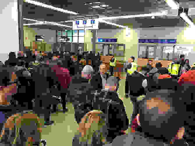 Κλείνουν Ένα Ένα Τα Αεροδρόμια Για Τους Έλληνες!