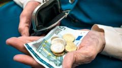 Παράνομες μειώσεις στις επικουρικές - Τι πρέπει να κάνουν οι συνταξιούχοι