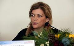 Προκλητική Η Αντωνοπούλου: Αντί Να Με Ευχαριστείτε Για Το Έργο Μου, Με Εγκαλείτε Κιόλας!