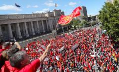 Πρόκληση Σκοπιανών: Διαδηλώνουν Για Τη «Μεγάλη Μακεδονία Με Χάρτες Και Περικεφαλαίες Του Μεγάλου Αλεξάνδρου