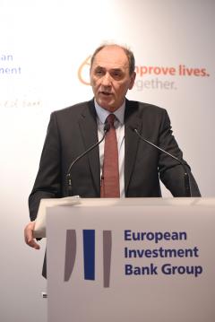 Υπογραφή δανειακής σύμβασης με ΕΤΕπ για ανάπτυξη δικτύων διανομής φυσικού αερίου