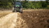 """Περισσότεροι δικαιούχοι στο πρόγραμμα """"εγκατάσταση νέων γεωργών"""" - Ποιους αφορά"""