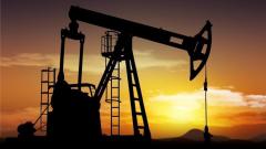 Αύξηση στις τιμές του πετρελαίου μετά την εκκένωση εξεδρών εξόρυξης πετρελαίων στον Κόλπο του Μεξικού